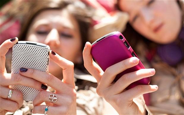 phones_2205762b